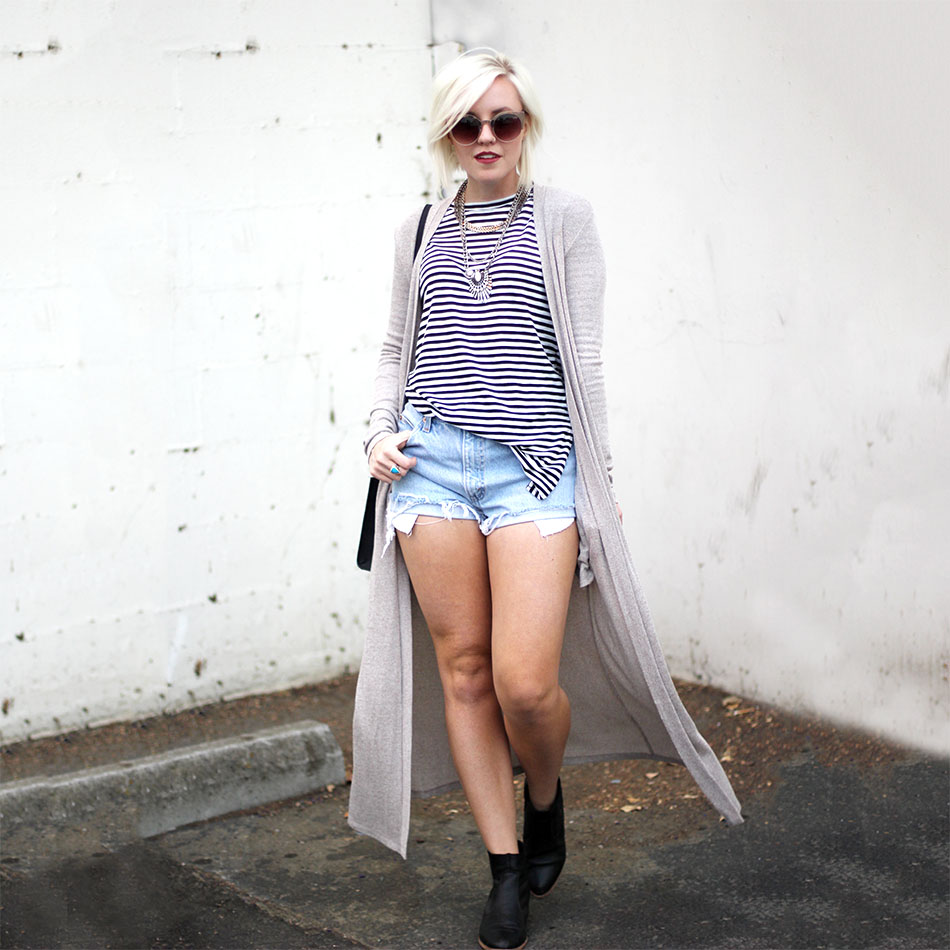 striped top_denim shorts