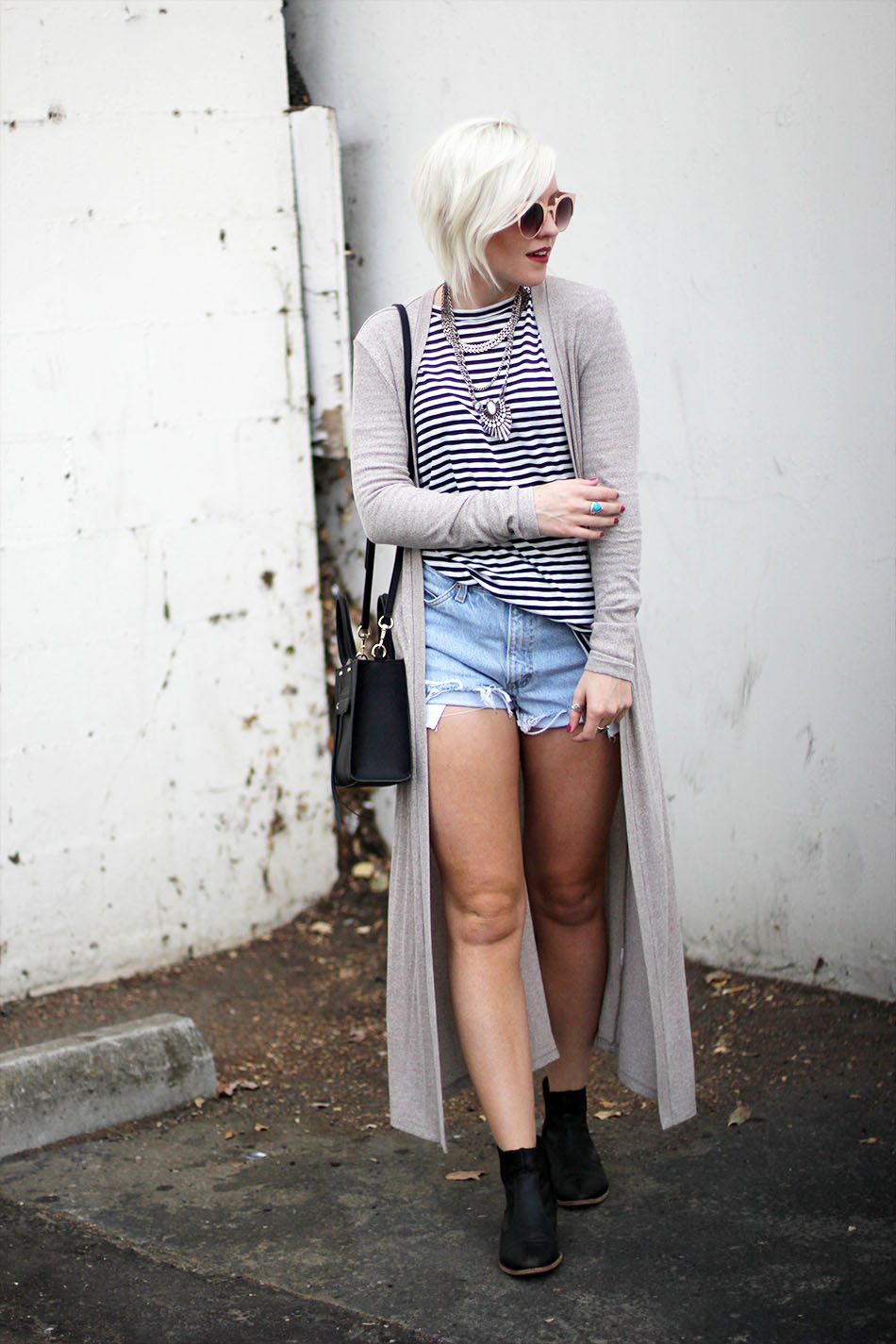 striped top_denim shorts_2
