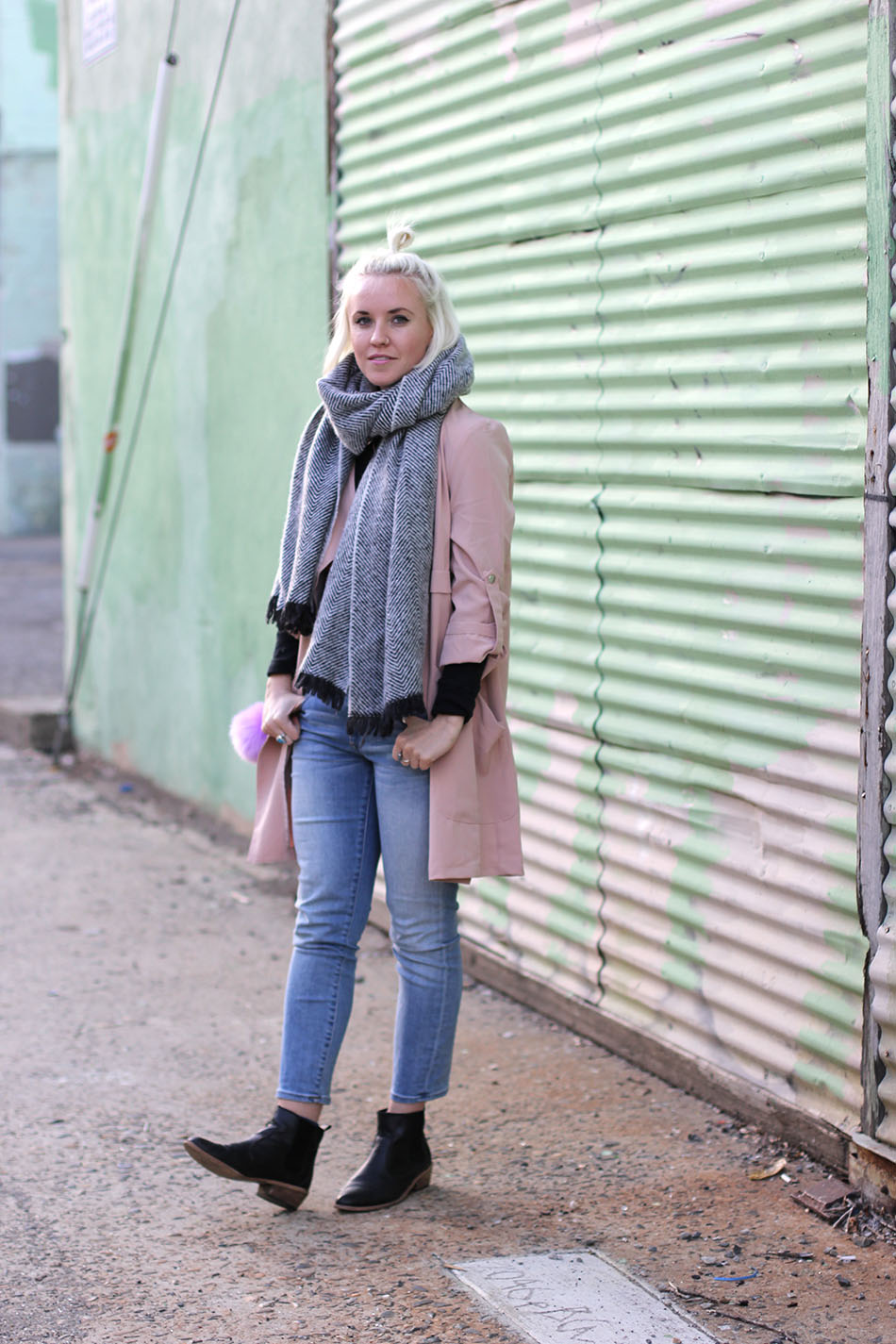 big chunky scarf outfit