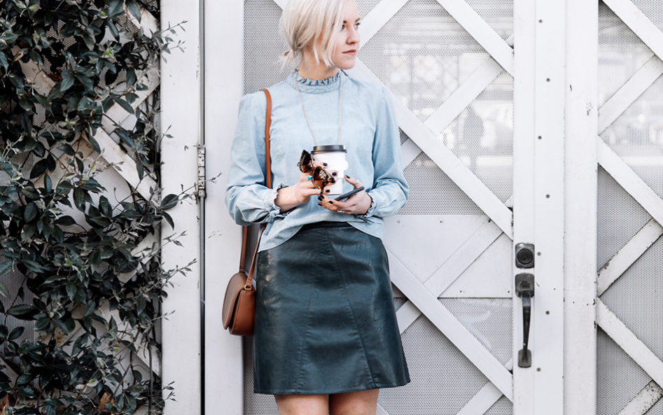 carousel_colour_me_classic_leather_flared_skirt